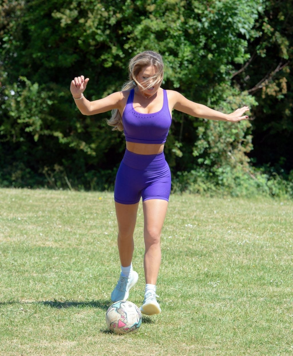 Bianca Gascoigne Shows Off Her Impressive Balls Skills in a Purple Two-piece (9 Photos)