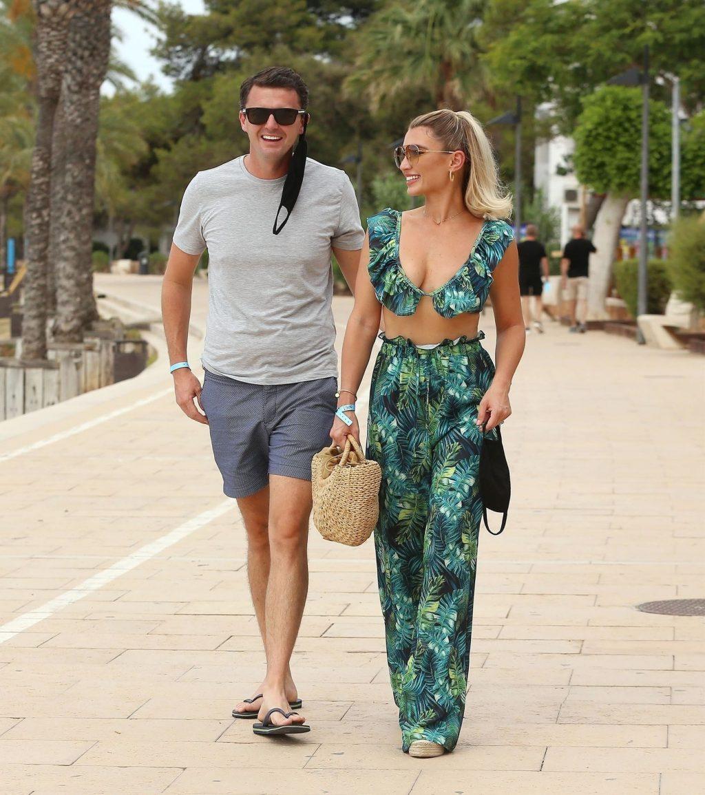 Billie Faiers & Greg Shepherd Look in Great Spirits in Ibiza (23 Photos)