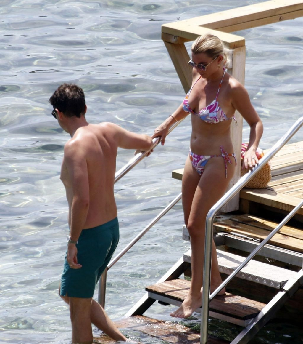Billie Faiers Enjoys Her Summer Holiday in Ibiza (34 Photos)