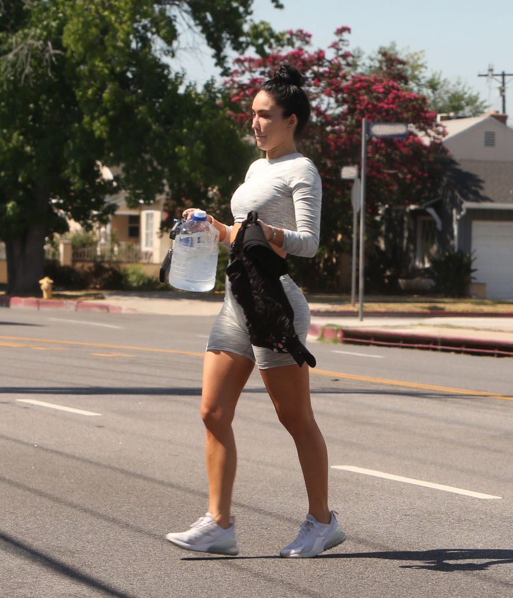 Breana Tiesi Is Spotted Leaving the Gym After a Morning Workout in LA (8 Photos)