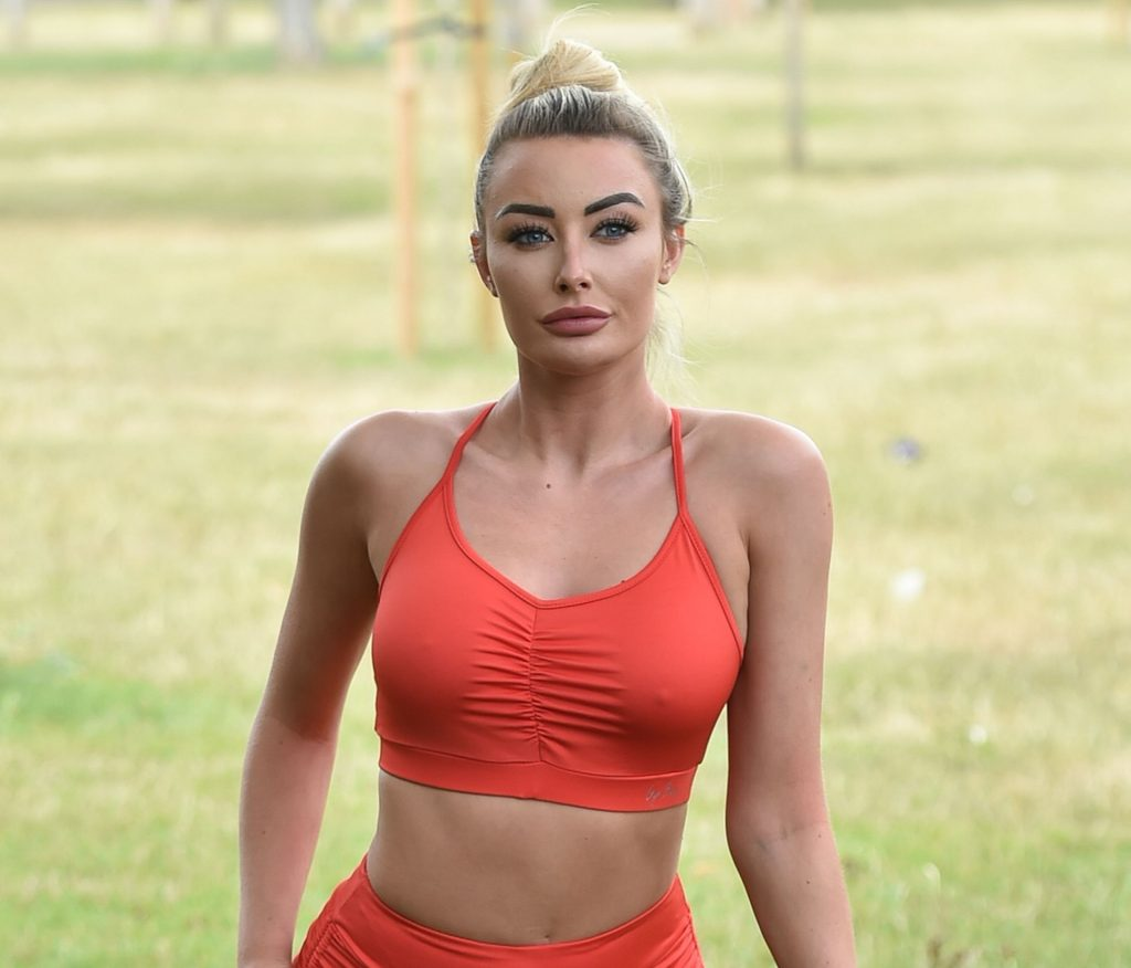 Chloe Crowhurst Is Seen Doing Her Morning Work Out In Chigwell (19 Photos)
