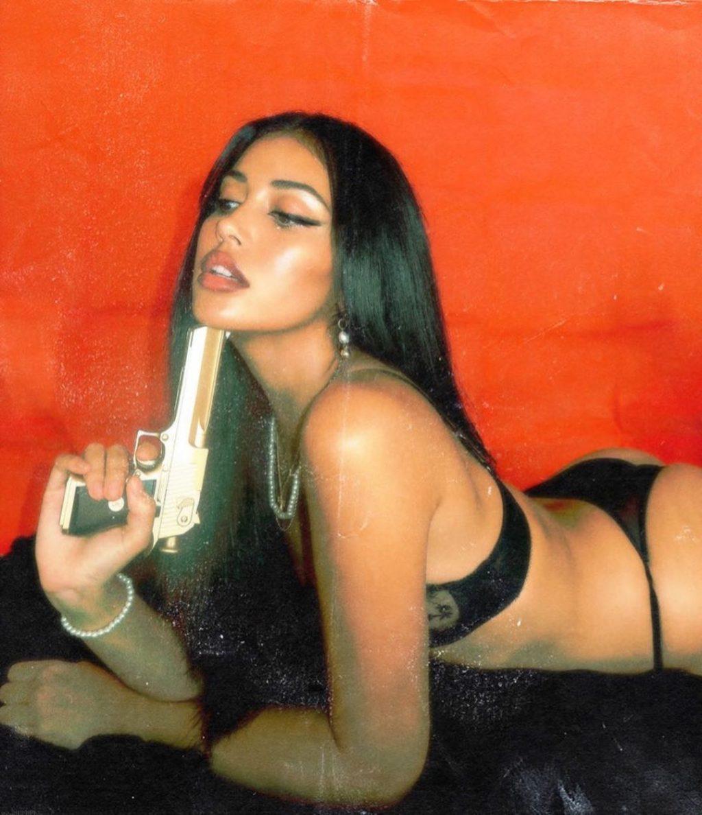 Cindy Kimberly Sexy & Topless (14 Photos)