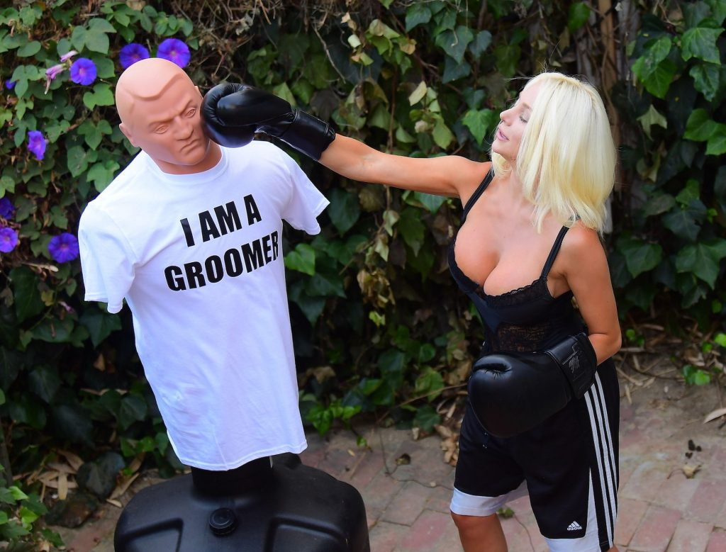 Courtney Stodden Takes Shots at Her Ex Doug Hutchinson Punching and Kicking a Dummy (17 Photos)