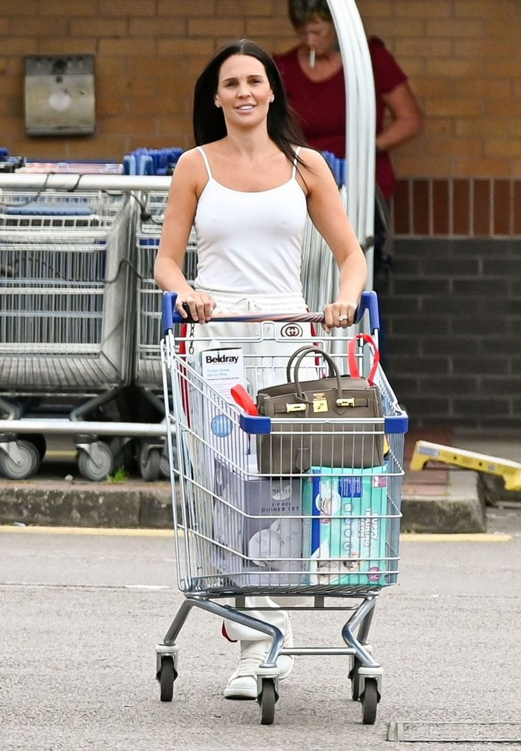 Braless Danielle Lloyd Is Seen in Birmingham (21 Photos)