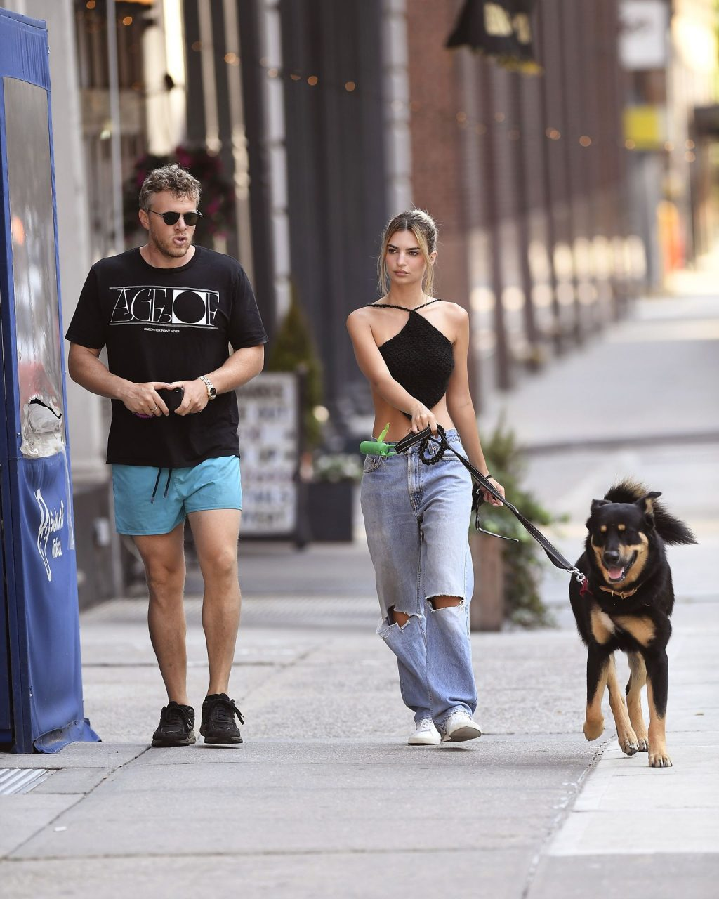 Emily Ratajkowski And Her Husband Take A Morning Walk In NYC (41 Photos)