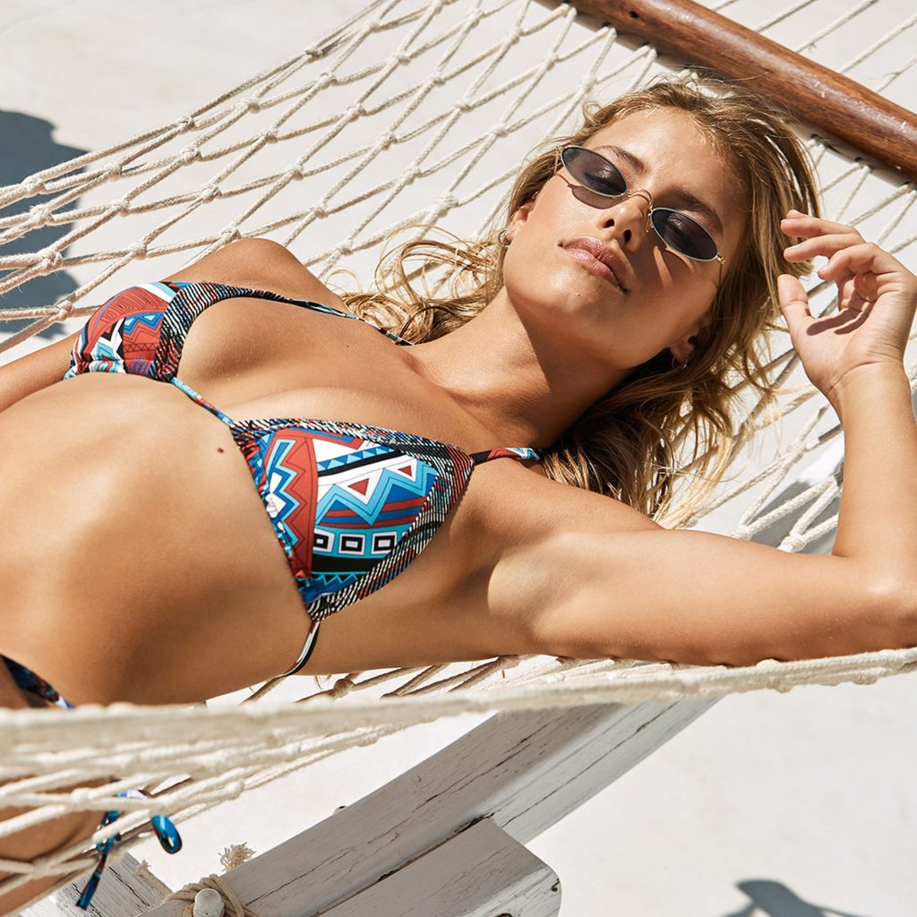 Emma Louise Connolly Models Swimwear for Calzedonia (13 Photos)