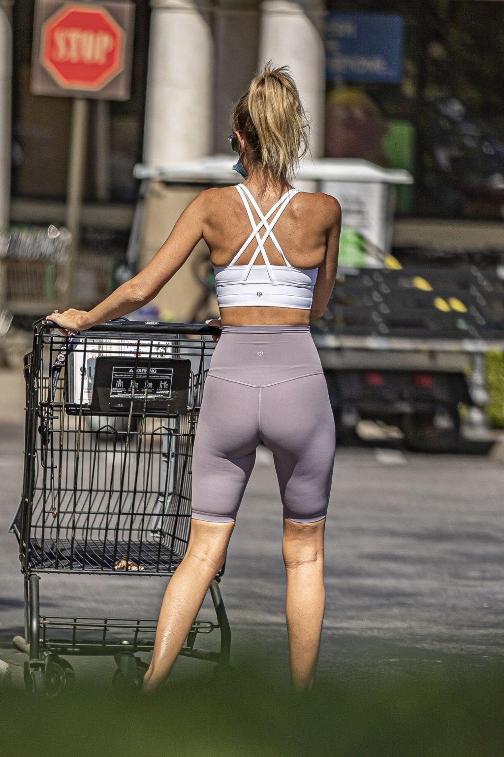 Hayley Roberts Hasselhoff Puts it All on Display in Skin Tight Workout Pants (57 Photos)