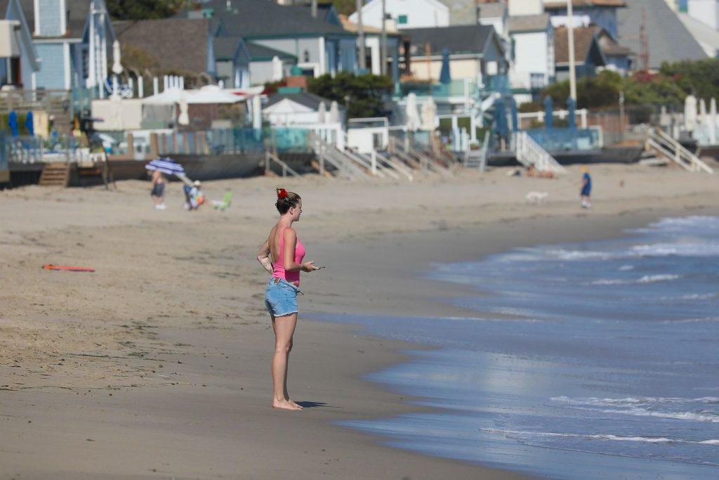 Ireland Baldwin Heads into the Ocean to Cool Off in Malibu (133 Photos)