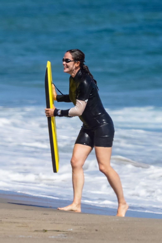 Jennifer Garner Enjoys Some Bodyboarding Fun (116 Photos)