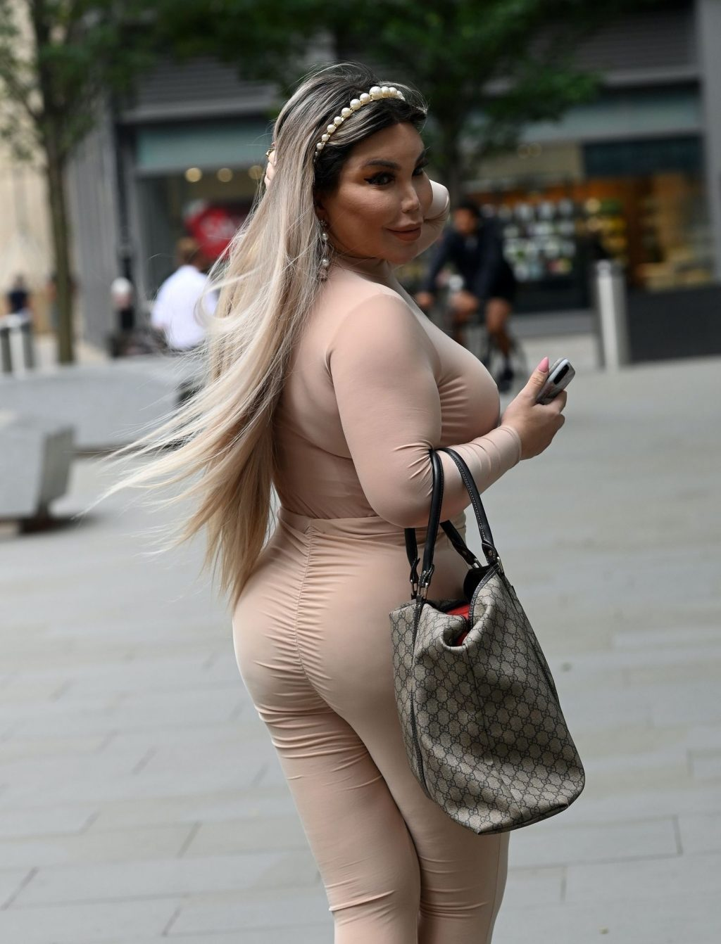Jessica Alves Is Spotted Out in London (35 Photos)