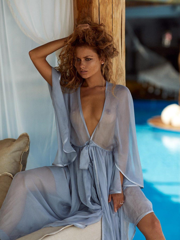 Julia Yaroshenko Nude (14 Photos)