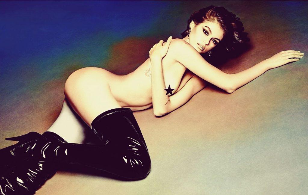Kaia Gerber Nude – Vogue Japan (7 Photos)