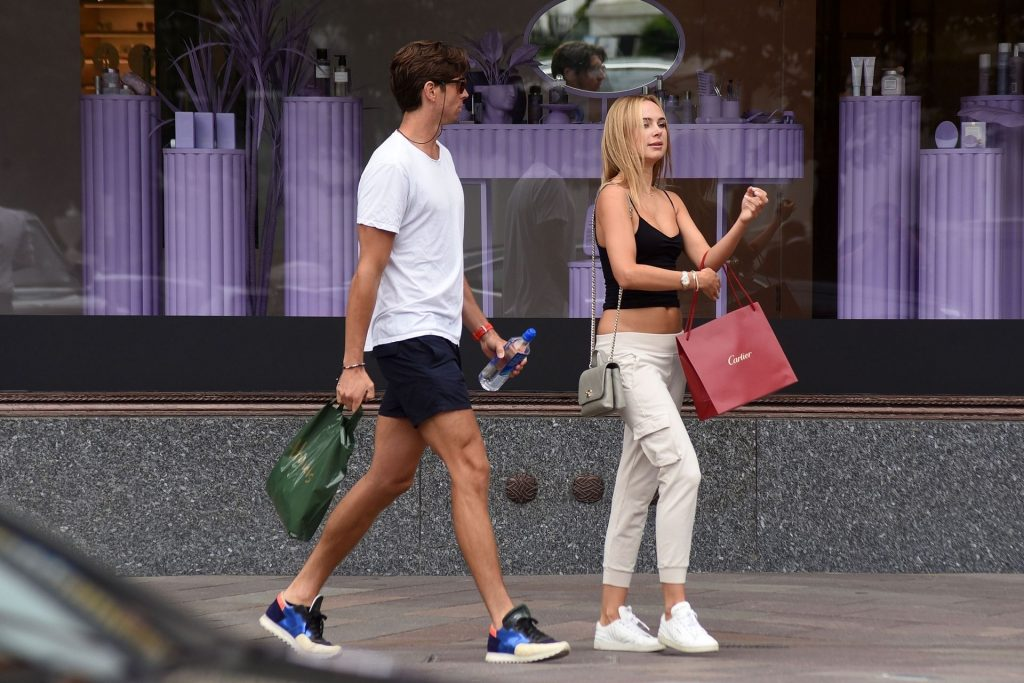 Kimberley Garner Gets Caught Up in the Rain Showers While Spotted in Chelsea (46 Photos)