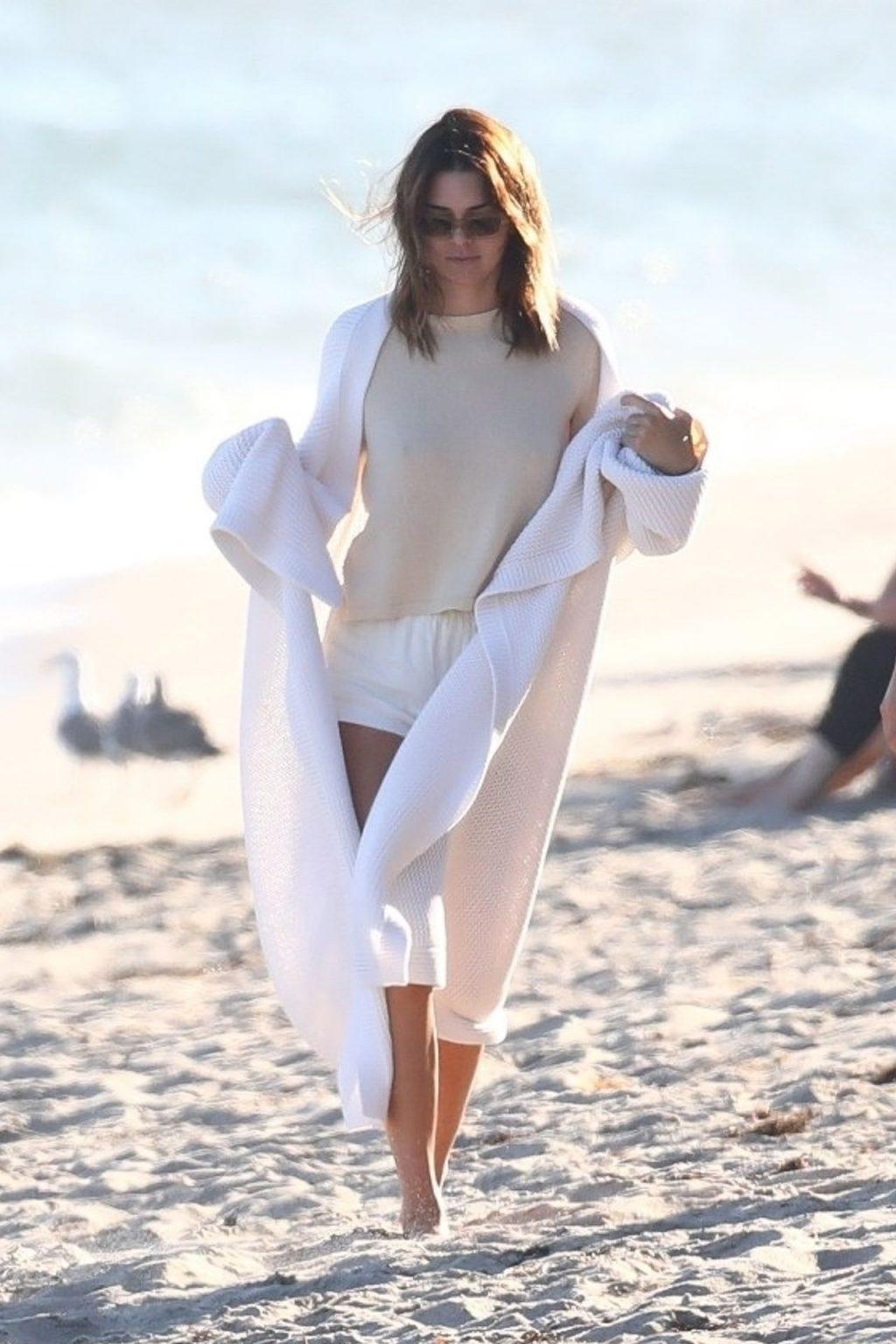 Kourtney Kardashian & Kendall Jenner Hit the Beach in Malibu (88 Photos)