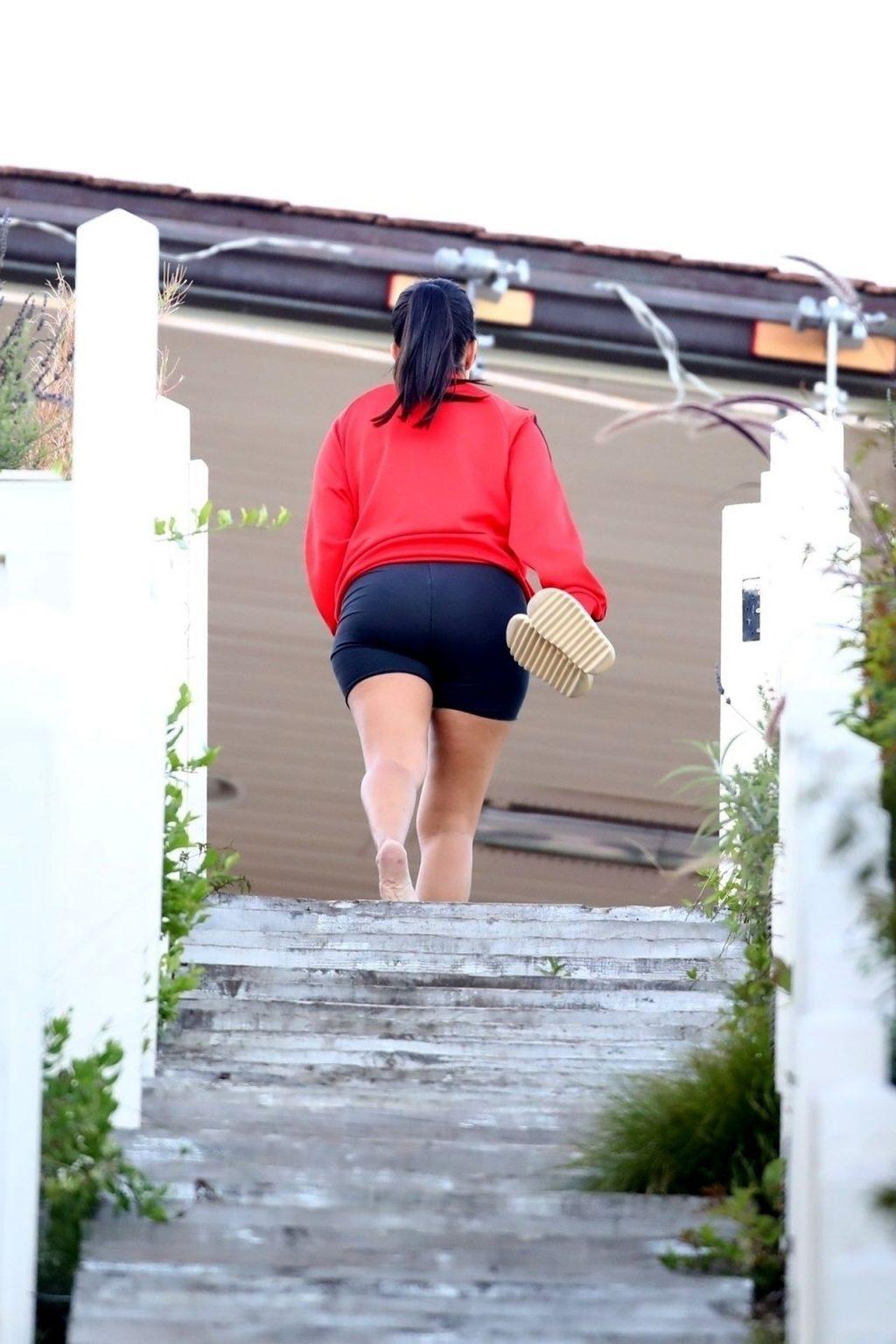 Kourtney Kardashian Celebrates Phil Riportella's Birthday at Her Beach House in Malibu (24 Photos)