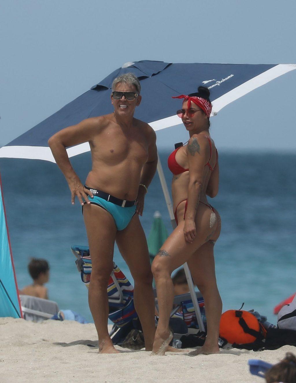 Lis Vega Displays Her Sexy Body on the Beach (72 Photos)