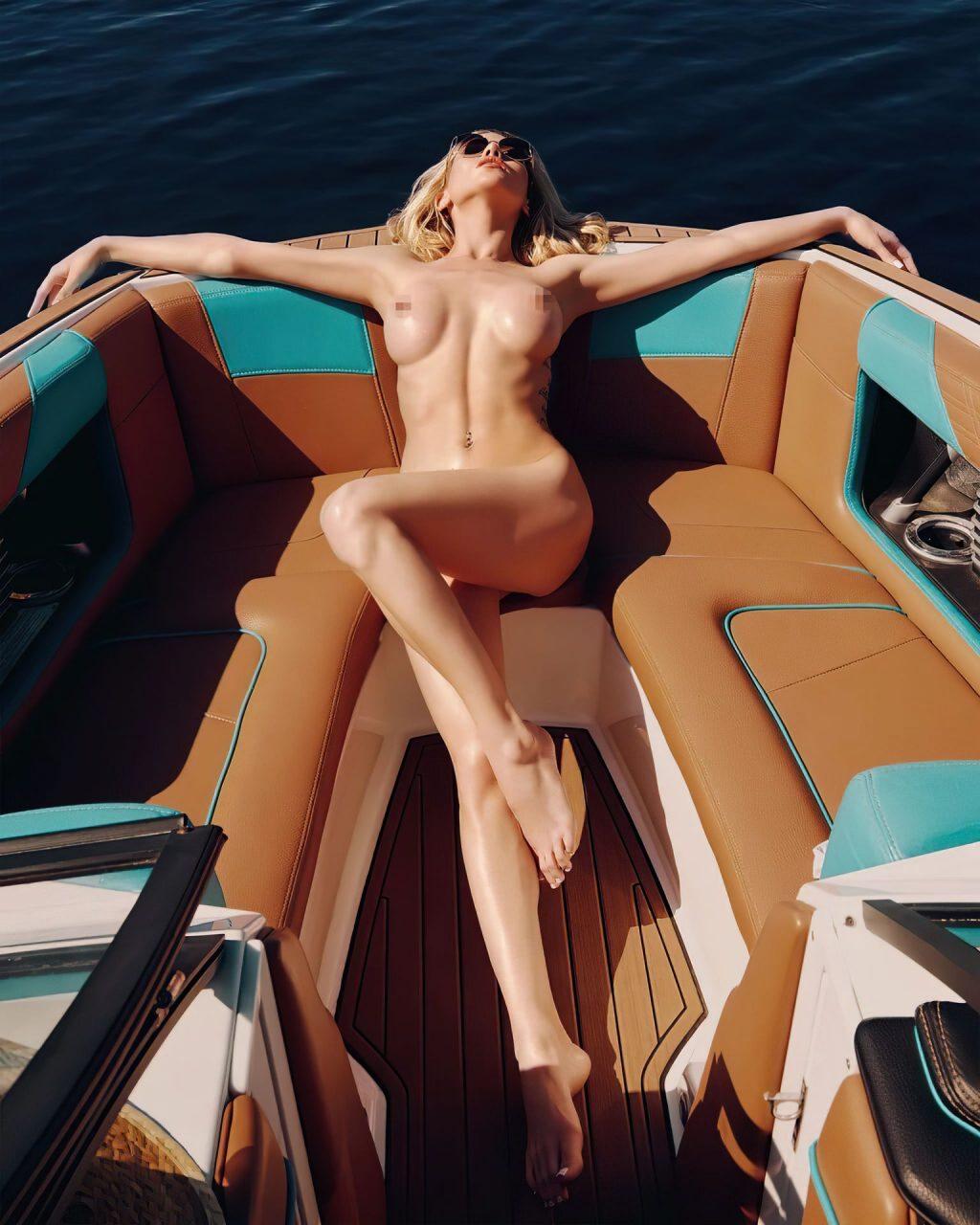 Liya Sitdikova Nude & Sexy (9 Photos)