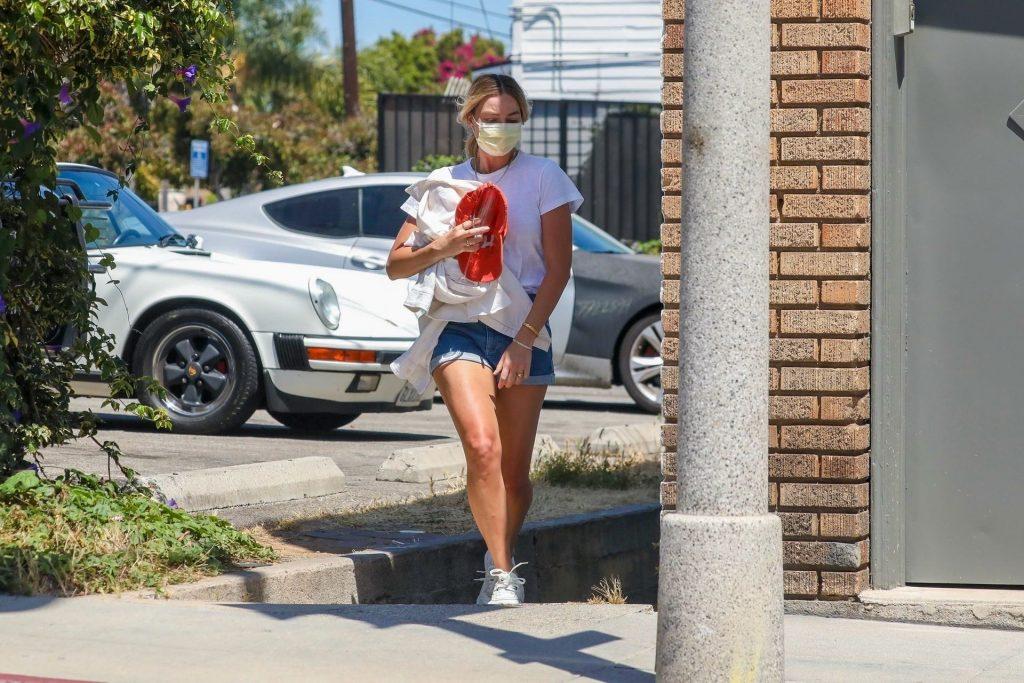 Margot Robbie Visits an Office in Santa Monica Amid Will Smith Affair Rumors (49 Photos)