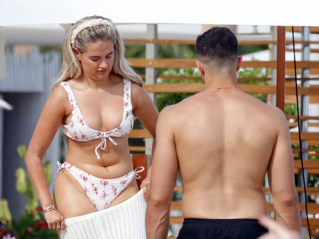 Molly-Mae Hague Shows Off Her Bikini Body While on Holiday in Ibiza (25 Photos)