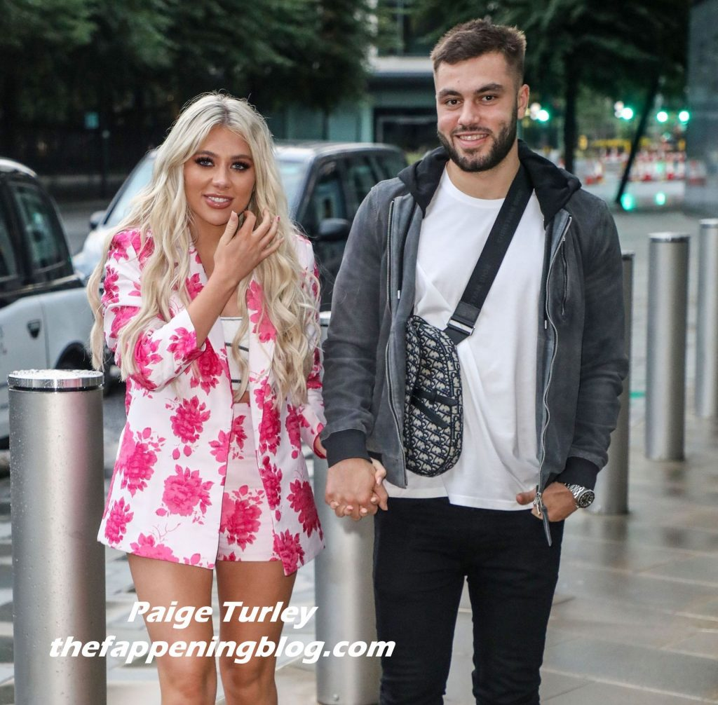 Paige Turley & Finlay Tapp Are Spotted Out for Dinner in London (31 Photos)