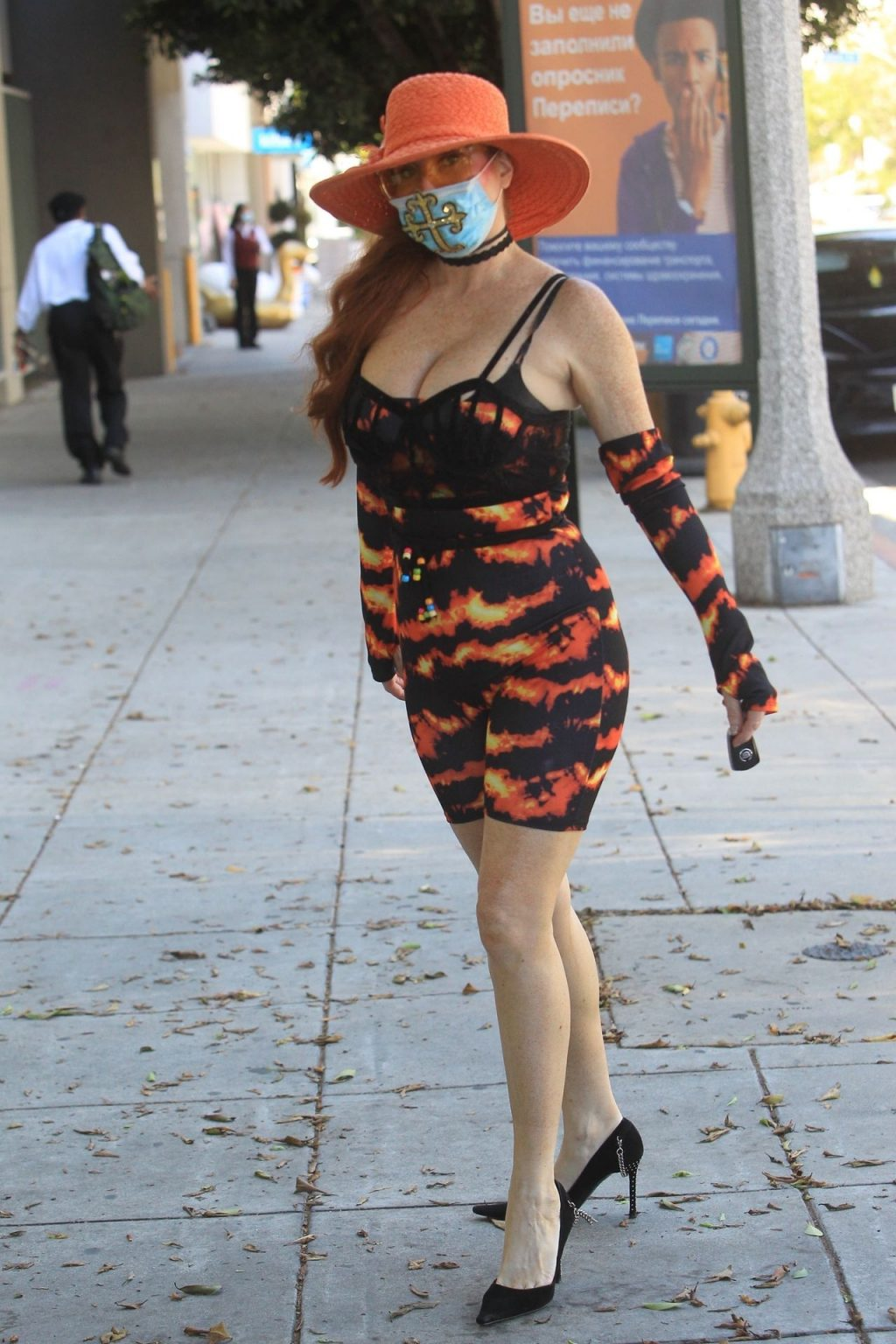Phoebe Price Goes Shopping with a Face Mask in Beverly Hills (27 Photos)