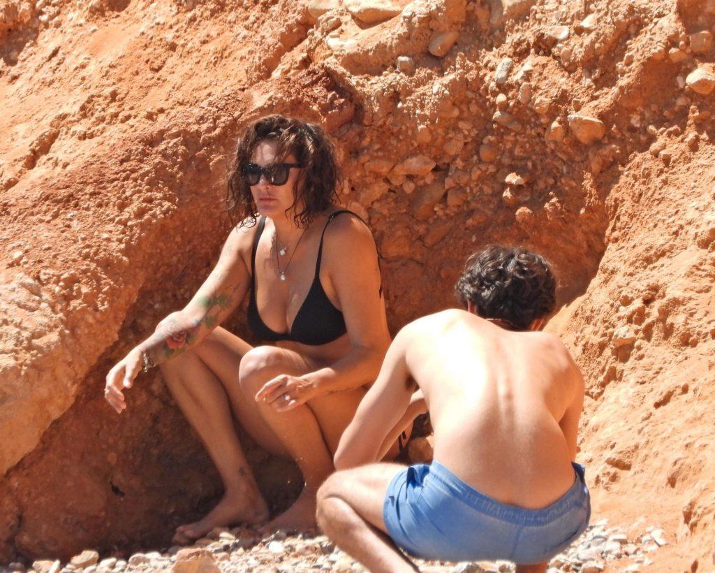Robert Pires & Jessica Lemarie Enjoy a Day in Ibiza (36 Photos)