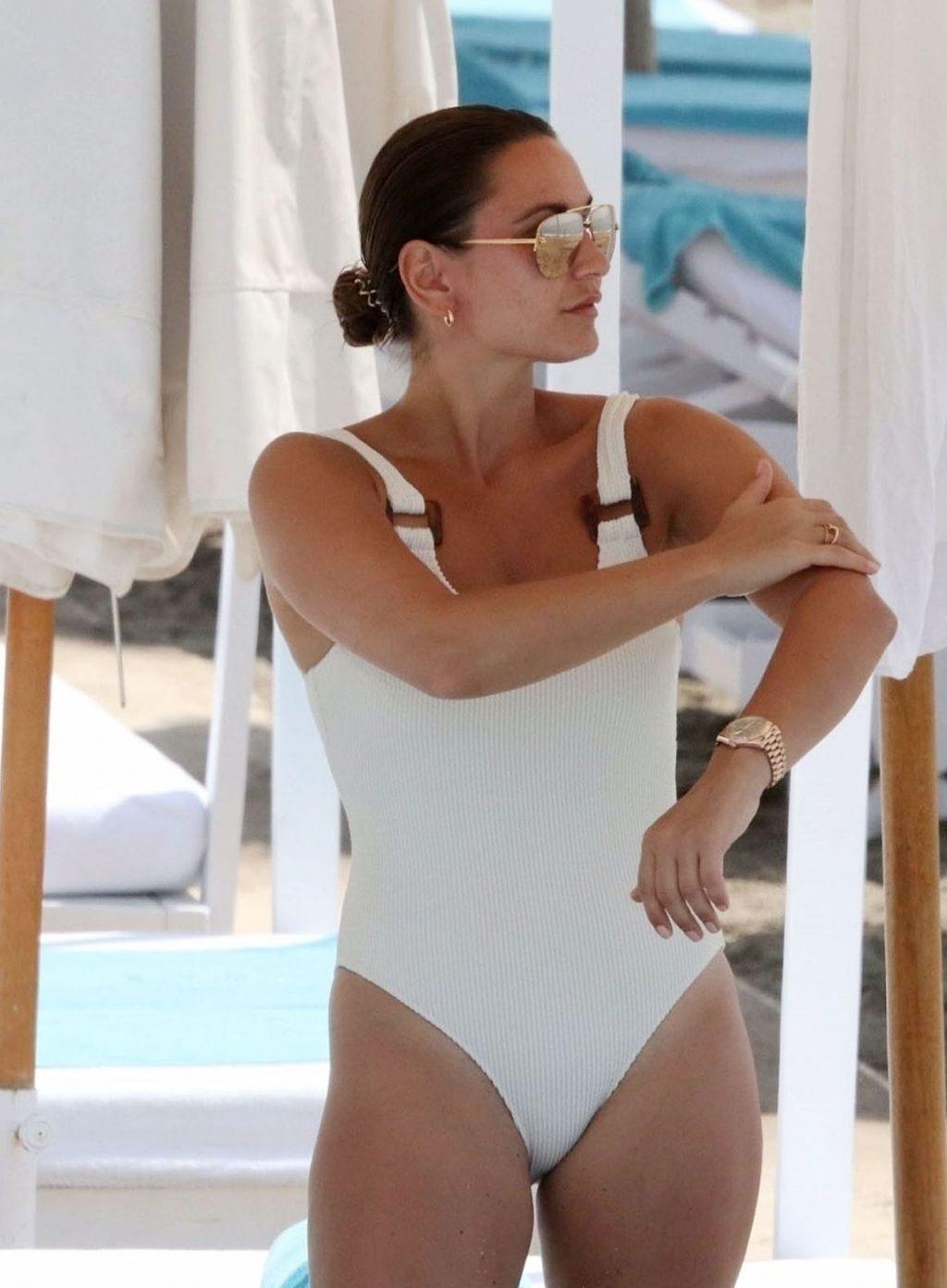 Sexy Sam Faiers Enjoys a Day on the Beach with Her Family (102 Photos)