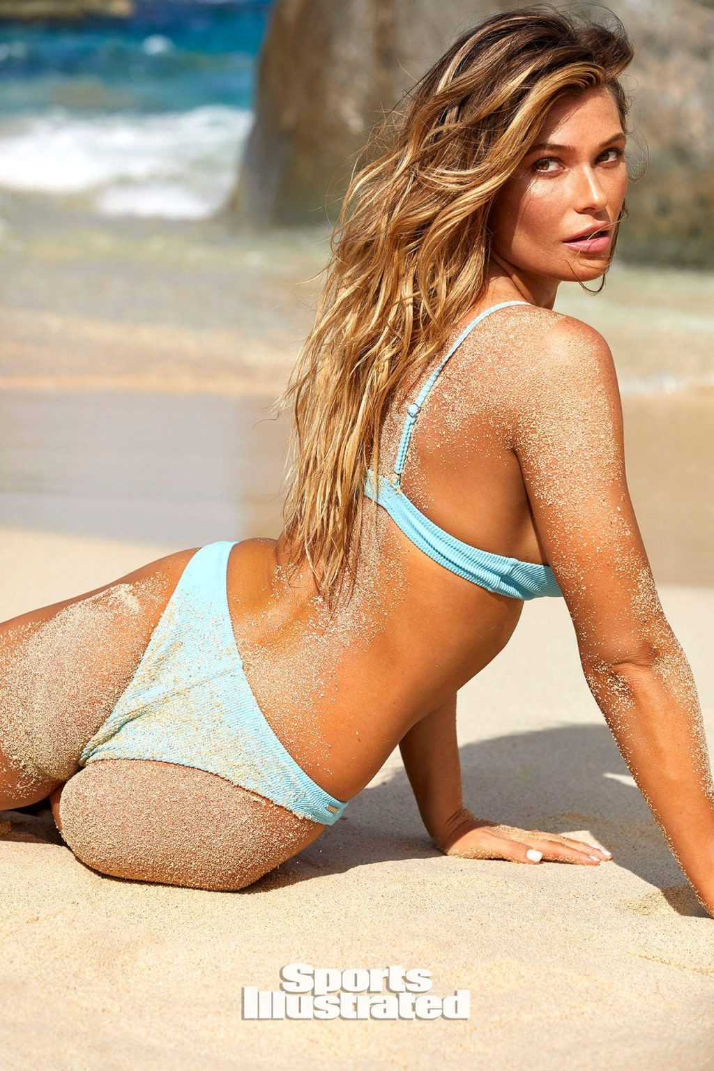 Samantha Hoopes Sexy – Sports Illustrated Swimsuit (40 Photos)