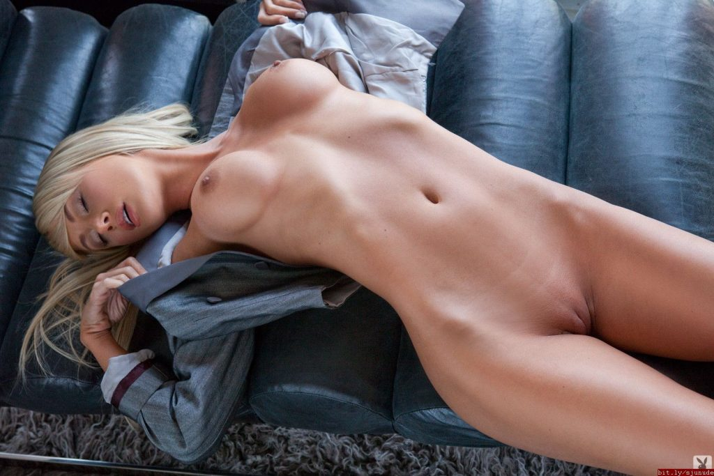 Sara Underwood Nude Pussy Compilation (28 Photos)