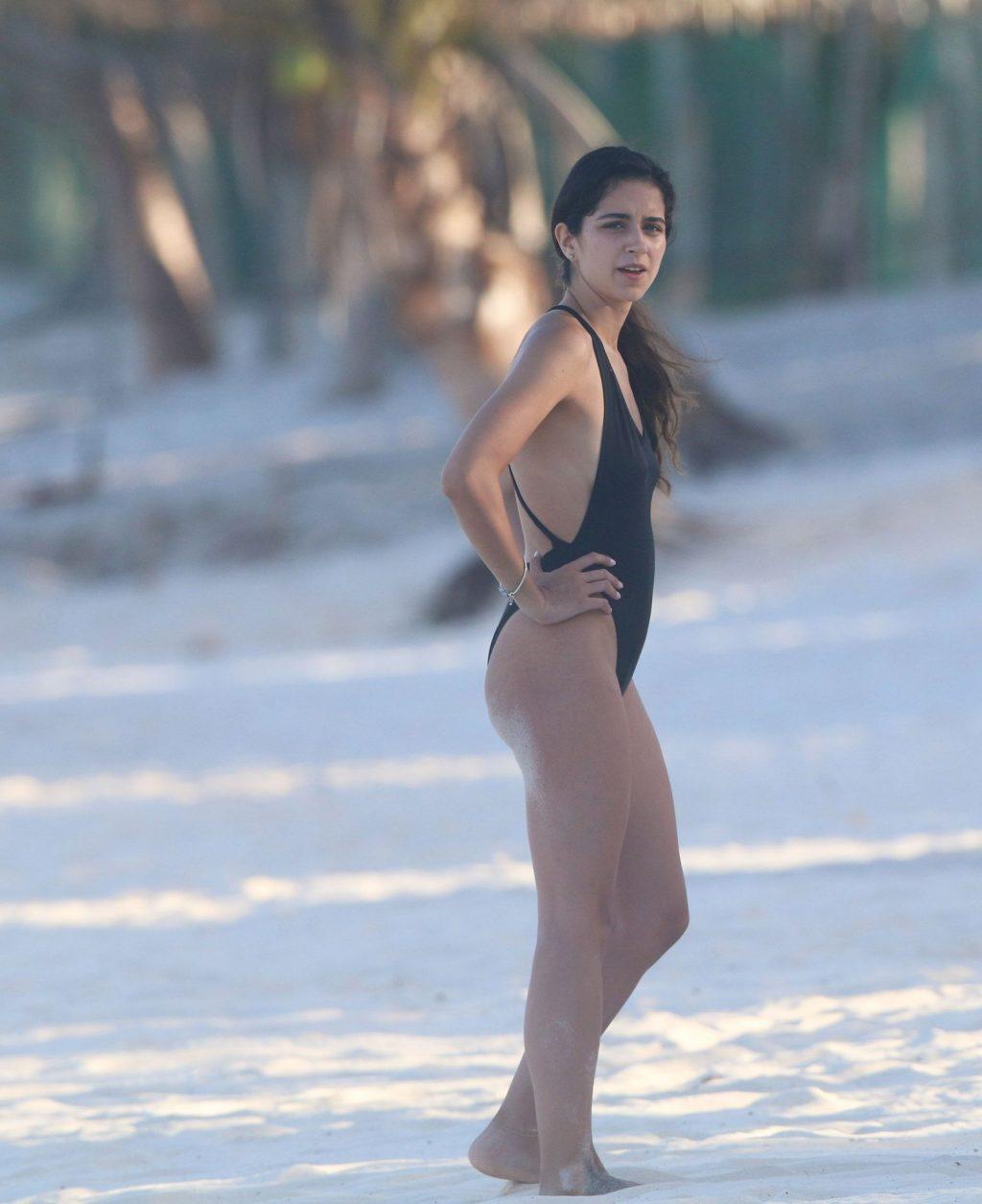 Sofia Toache Enjoys a Day on the Beaches of Tulum (8 Photos)