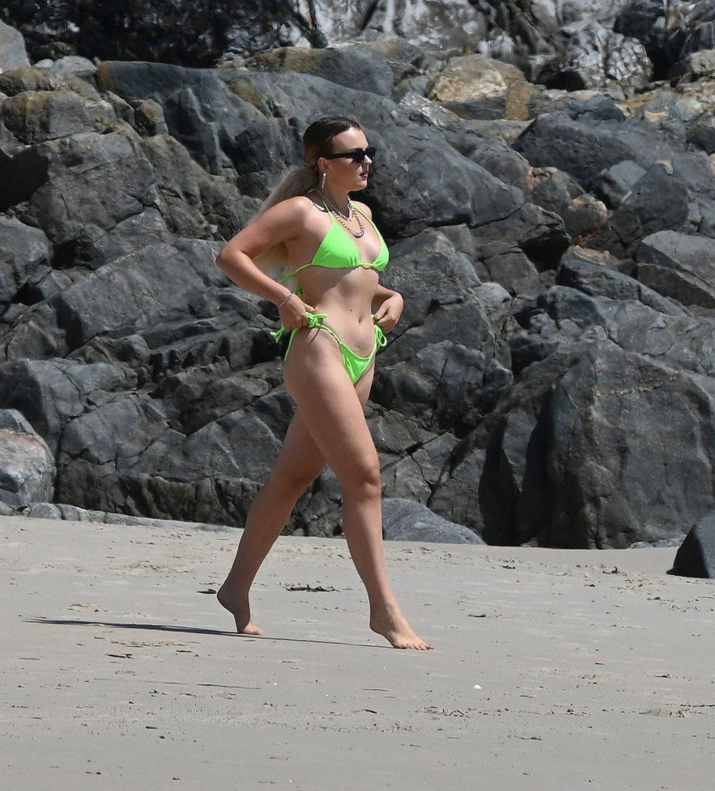 Tallia Storm Shows Off Her Sexy Figure in a Bikini (55 Photos)