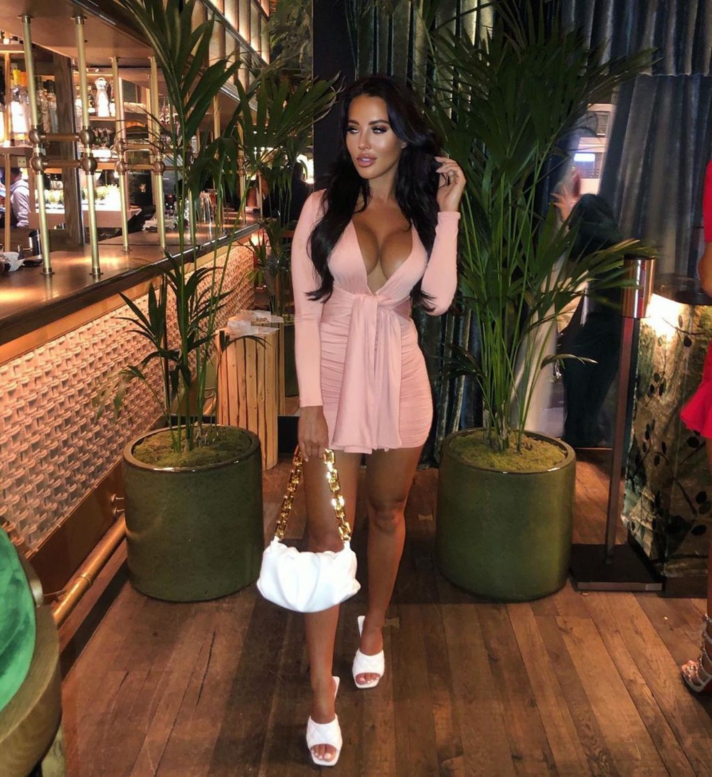 Yazmin Oukhellou Shows Off Her Big Wet Boobs in London (11 Photos)