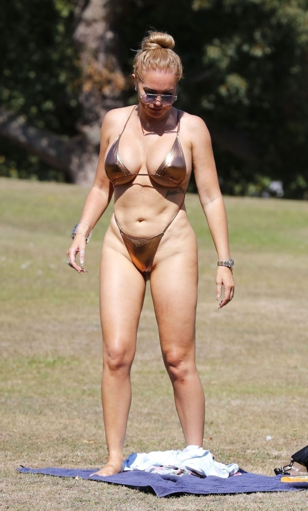 Aisleyne Horgan-Wallace Strips Off During the August Heatwave in London (34 Photos)