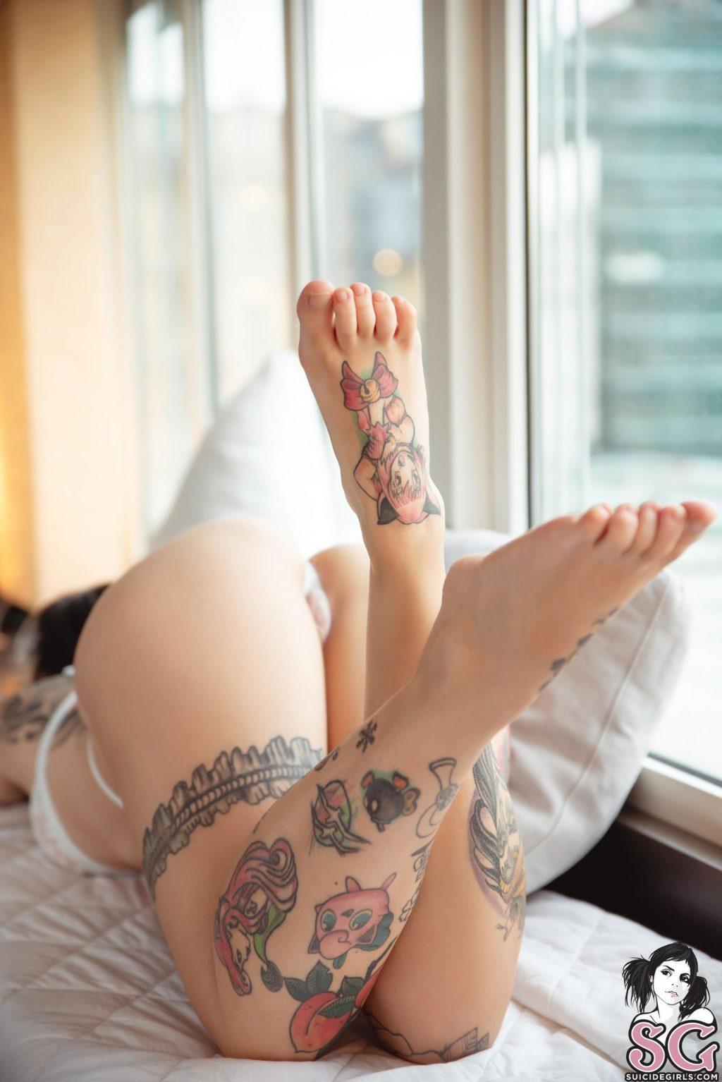 Alerose Nude – Glitch (43 Photos)