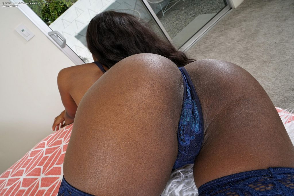Anne Amari Nude (10 Photos)
