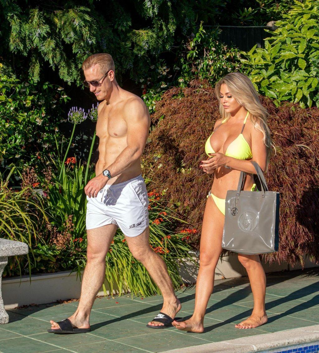 Bianca Gascoigne & Kris Boyson Enjoy Their Holiday in Croatia (17 Photos)