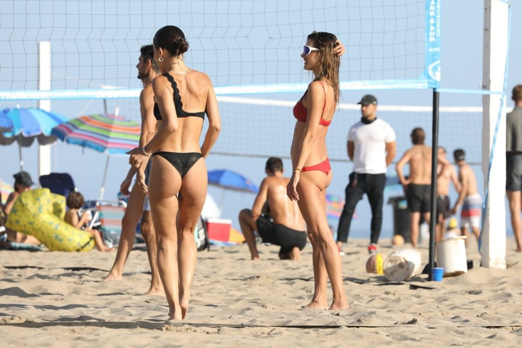 Camila Coelho Plays Volleyball in Malibu (11 Photos)