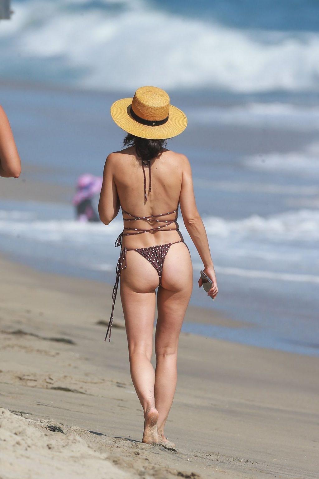 Cara Santana Shows Her Tits and Ass on the Beach (45 Photos)