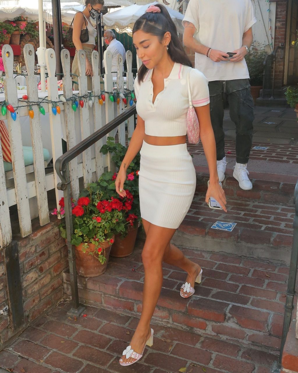 Chantel Jeffries & Alissa Violet Have Lunch at The Ivy (83 Photos)
