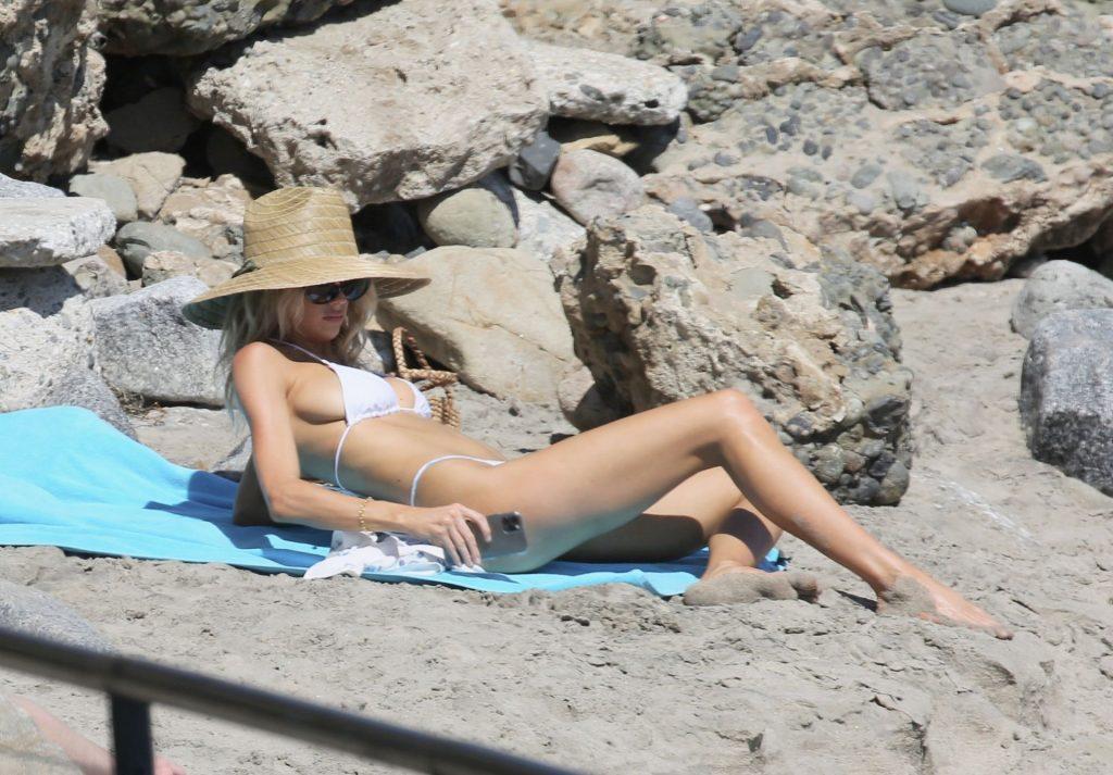 Sexy Charlotte Mckinney Heads to the Beach to Sunbathe in LA (8 Photos)