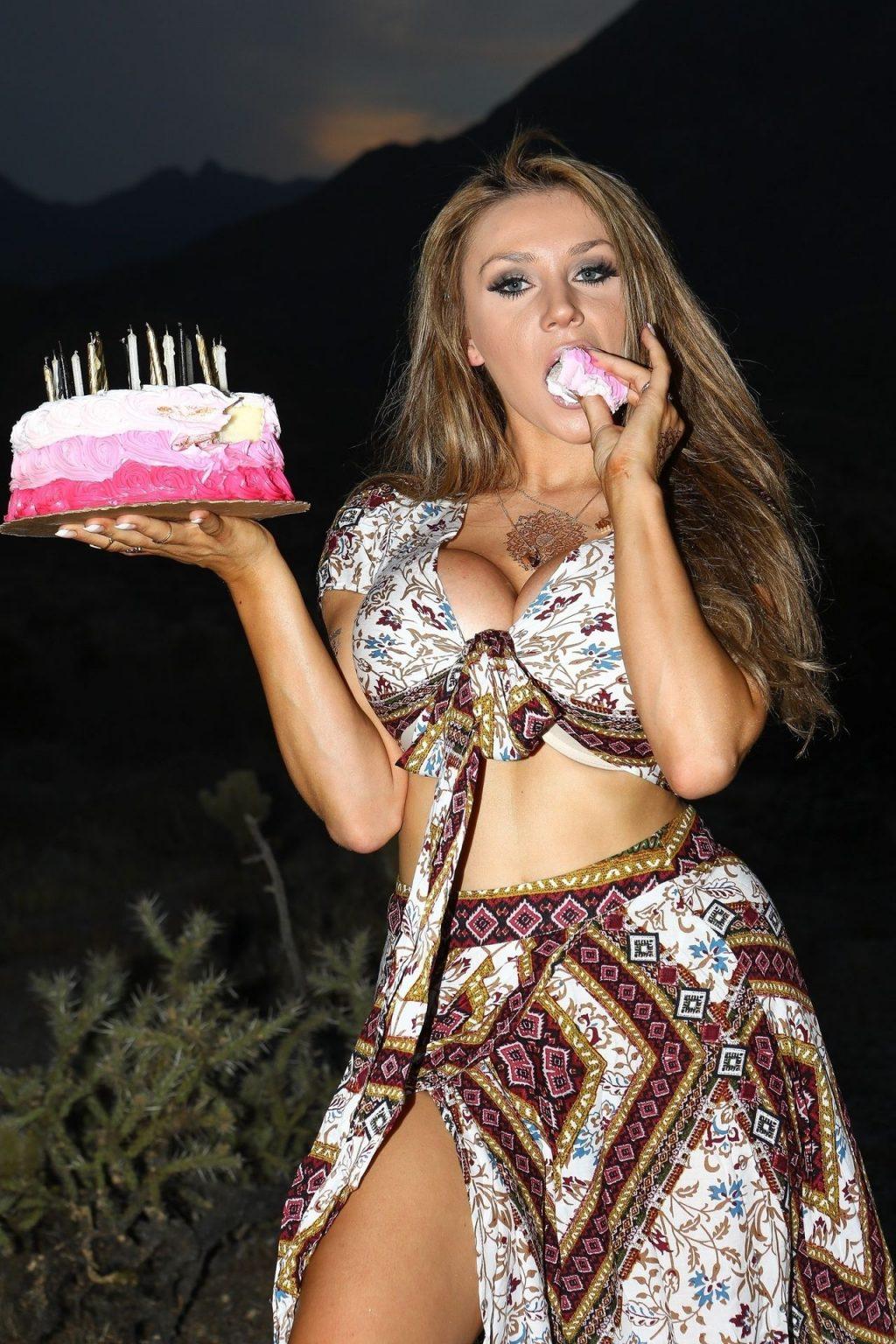 Courtney Stodden Celebrates Her Birthday in Palm Springs (60 Photos)