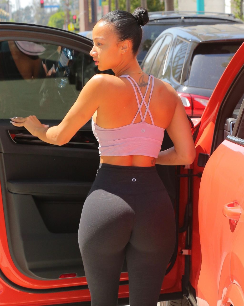 Draya Michele Shows Off Her Sexy Figure in LA (10 Photos)