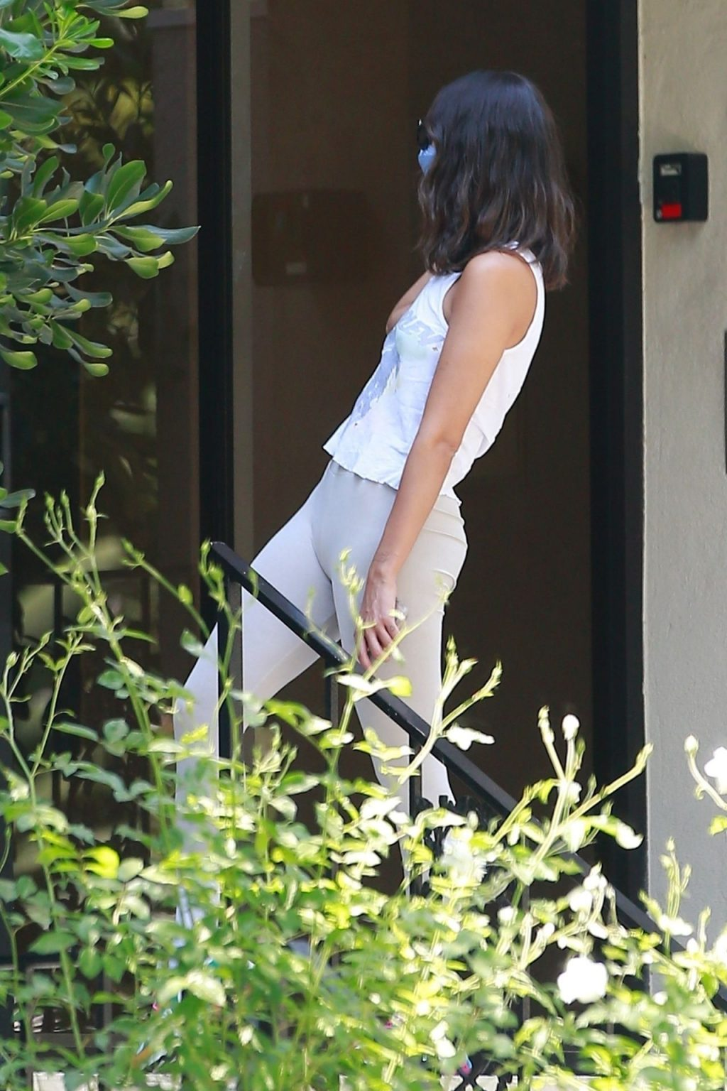 Sexy Eiza Gonzalez Pays a Visit to a Friend in Beverly Hills (27 Photos)