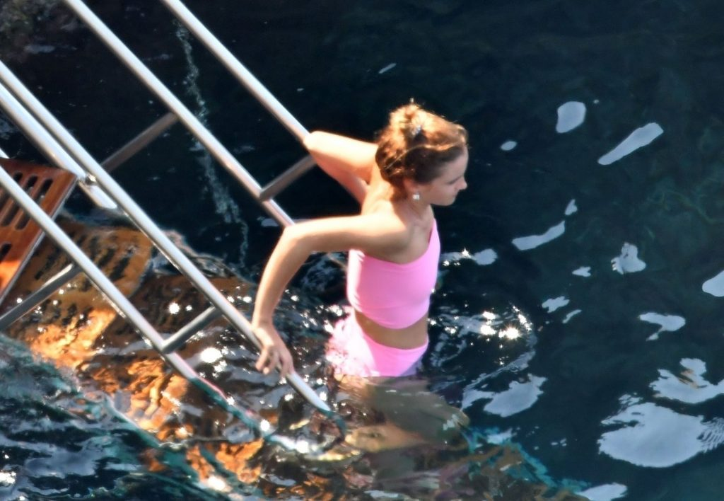 Emma Watson Leads the Way in Her Striking Pink Swimsuit Out on Holiday in Positano (16 Photos)