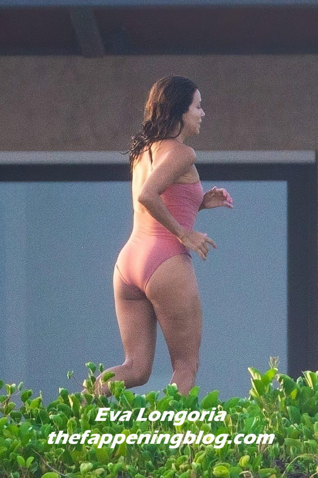 Eva Longoria Flaunts Her Sexy Body in Cabo San Lucas (30 Photos)