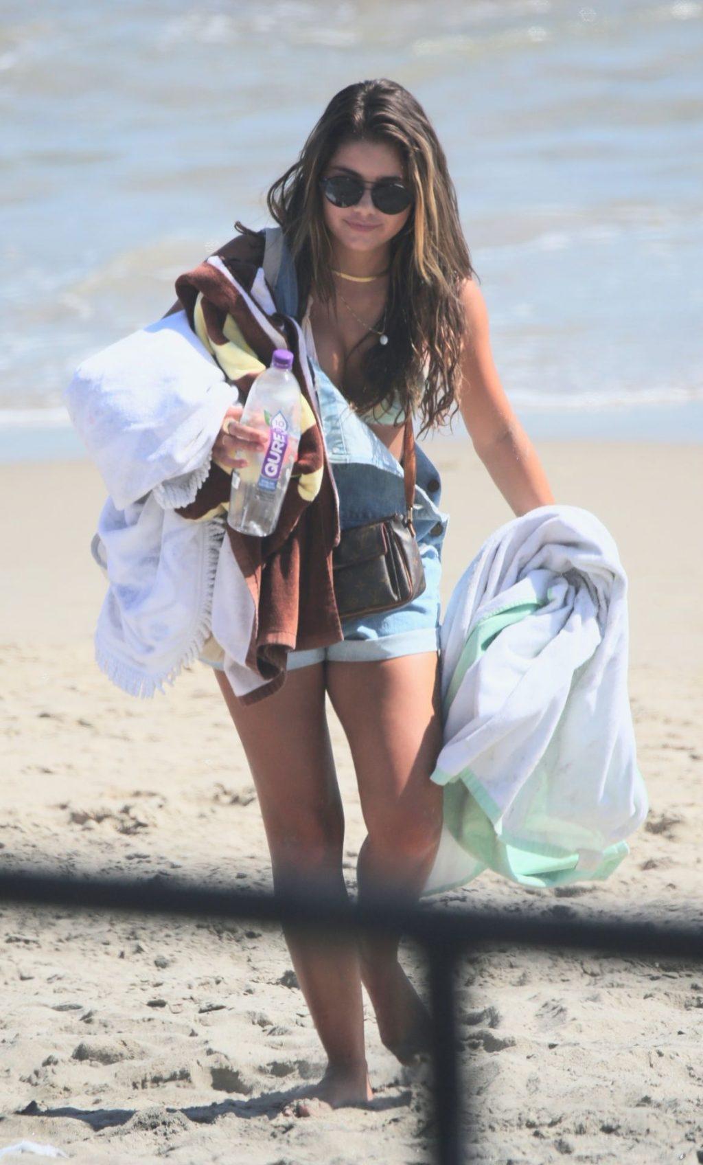 Hannah Ann Sluss Hits the Beach with Friends in Malibu (40 Photos)