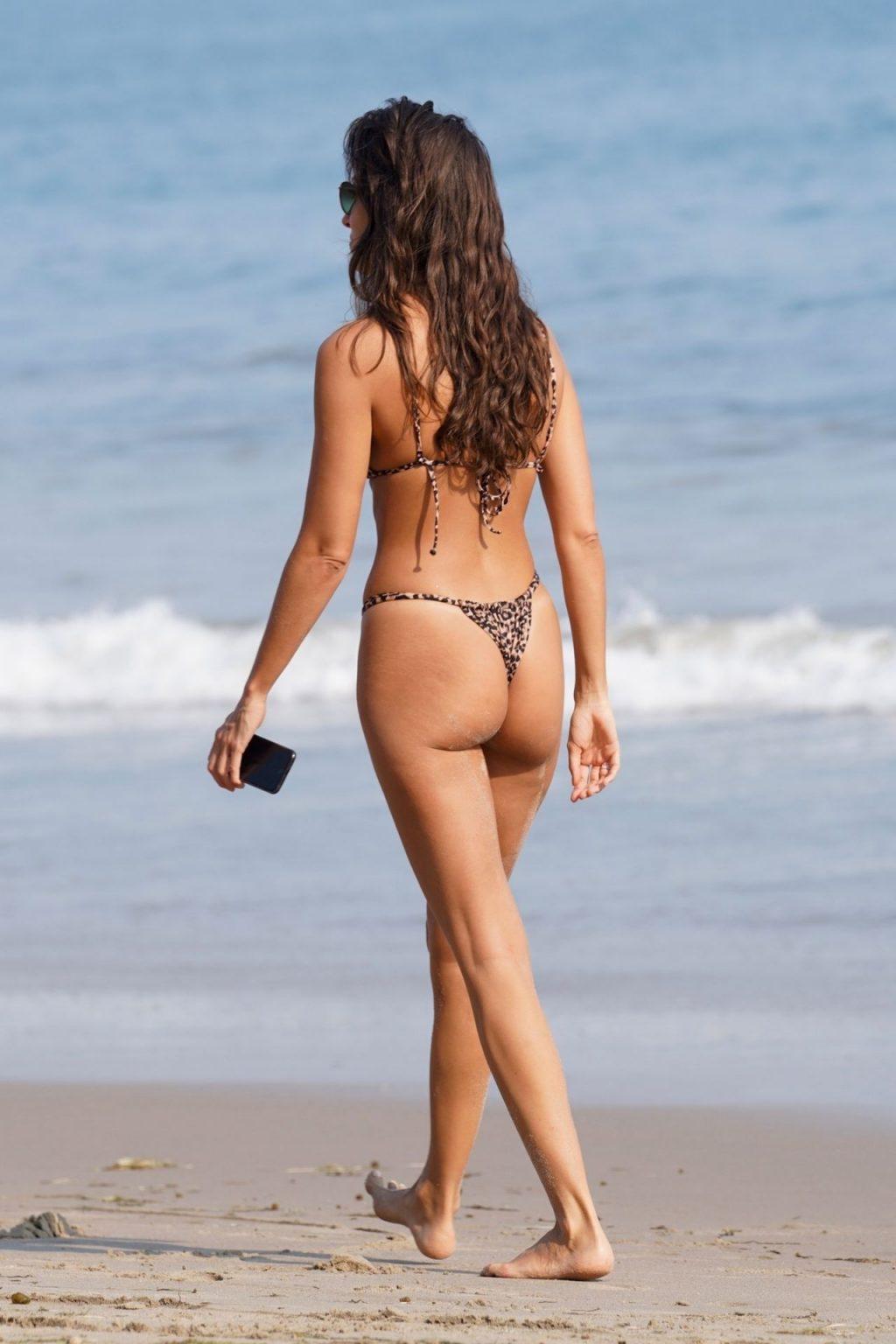 Ines de Ramon Shows Off Her Sexy Beach Body (16 Photos)