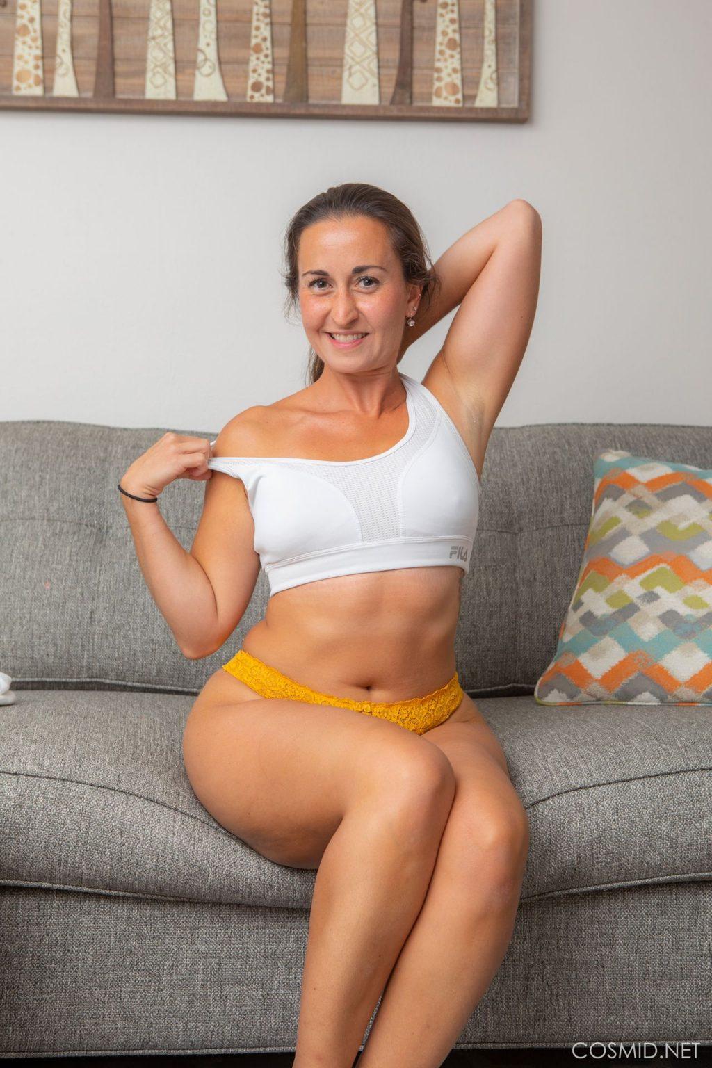 Isabel Light Nude (10 Photos)