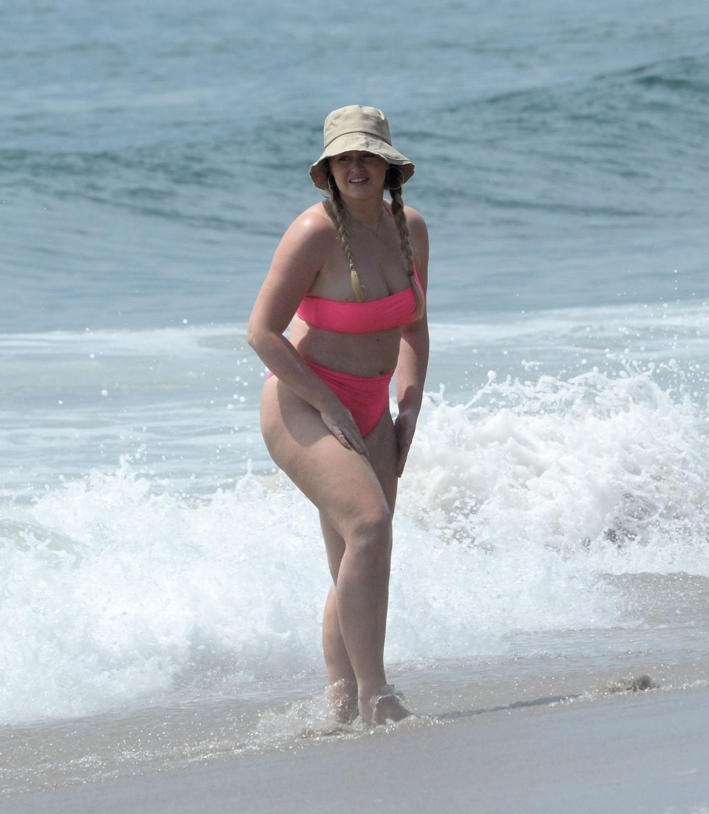 Iskra Lawrence Hits the Beach in a Hot Pink Bikini in LA (77 Photos)