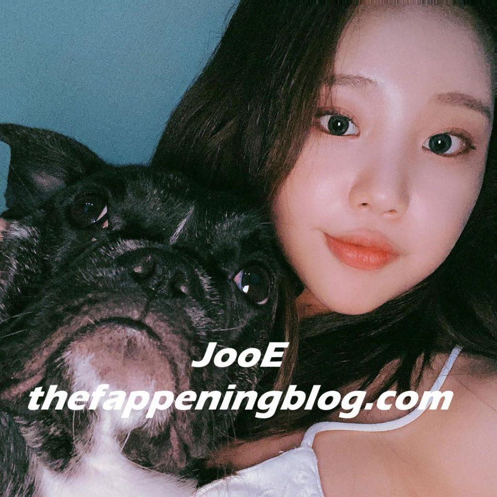 JooE Sexy (3 Photos)